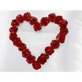 Svadobný vankúšik pod obrúčky so srdcom a kvetmi,