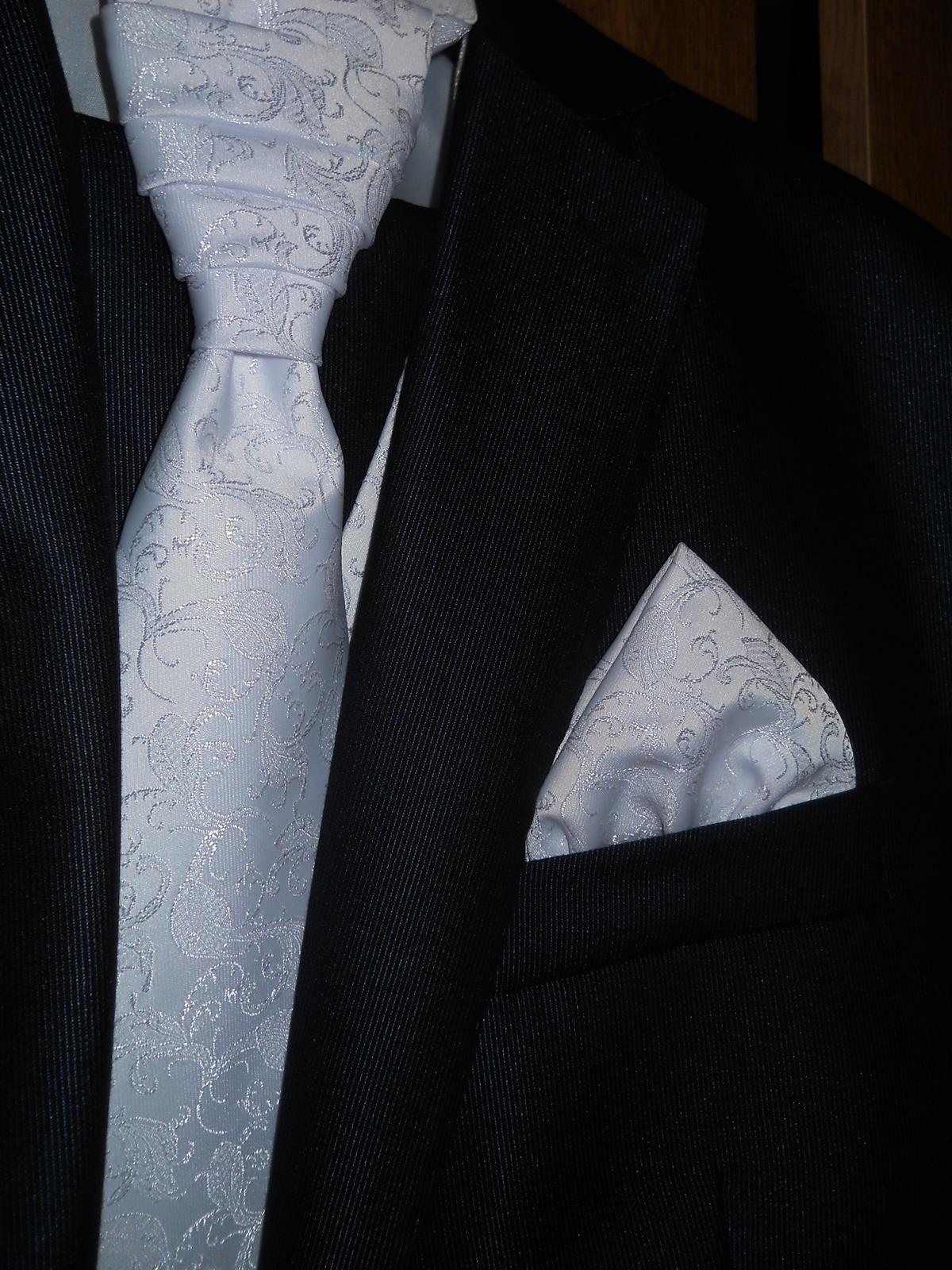 Vesta pre ženícha (s kravatou a malou vreckovkou) - Obrázok č. 4