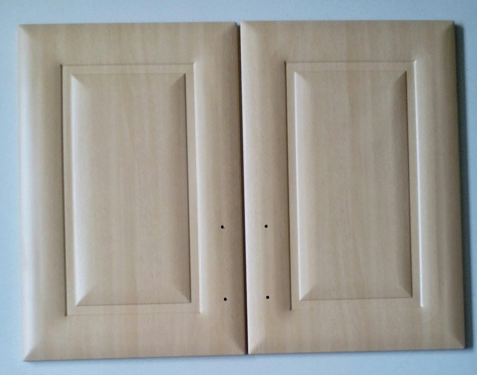 Dvierka na kuchynskú skrinku a kryty na šuplíky - Obrázok č. 1