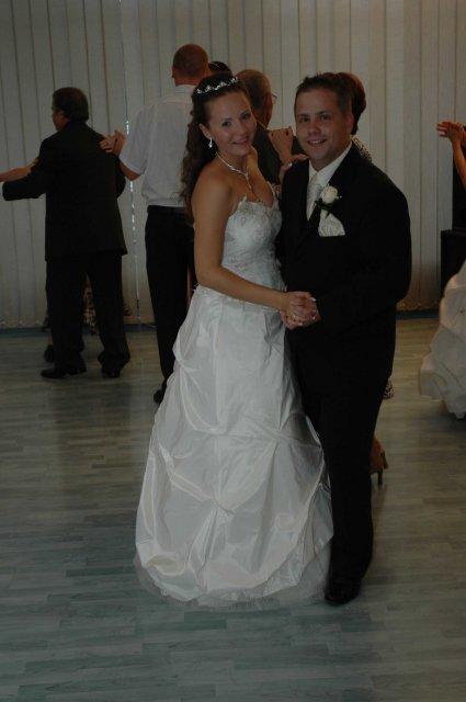 Majuska{{_AND_}}Misko - spolocny tanecek nam po dlhych treningoch aj celkom isiel:-)