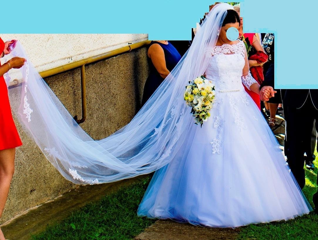 iná čipka na svadobných šatách - Obrázok č. 1