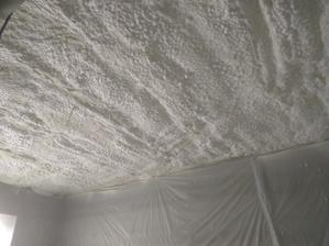 Izolacia stropu hrubka nastreku 300mm +/-