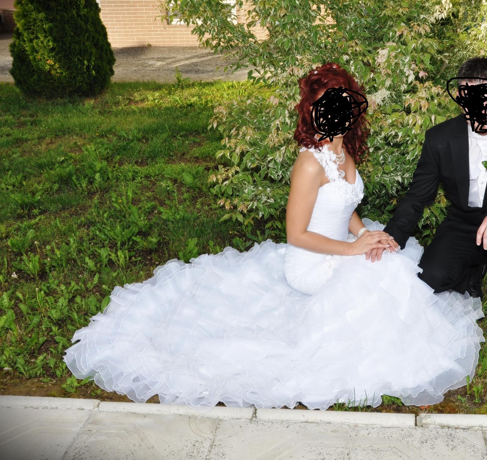 Biele svadobné šaty - Obrázok č. 3