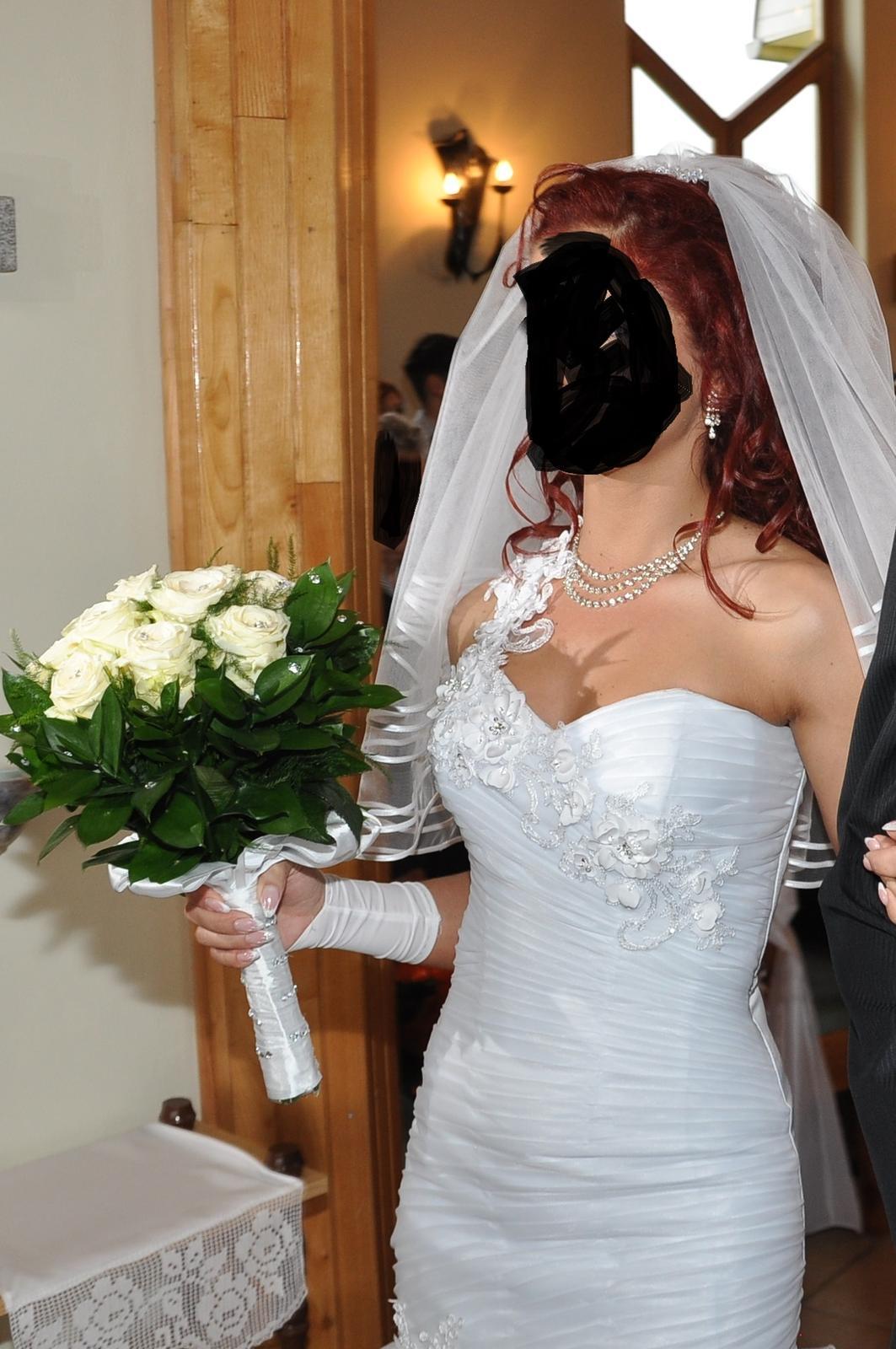 Biele svadobné šaty - Obrázok č. 2