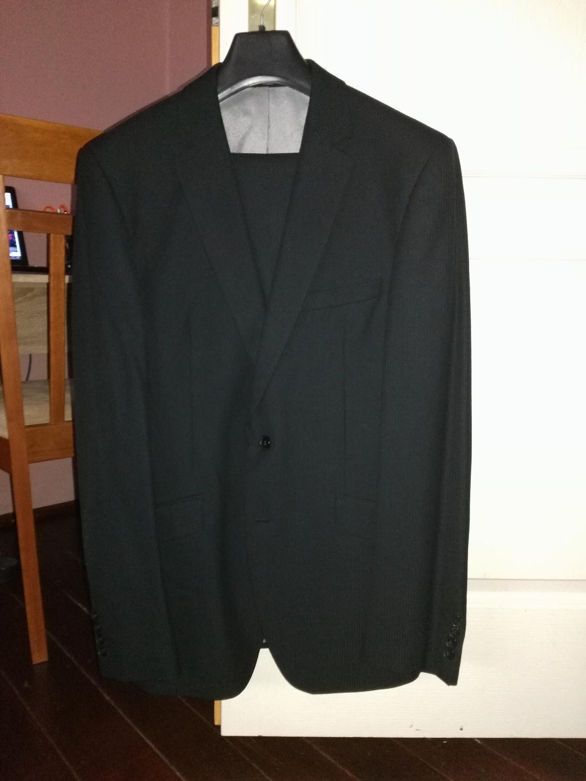 Kvalitný pánsky oblek  - Obrázok č. 2