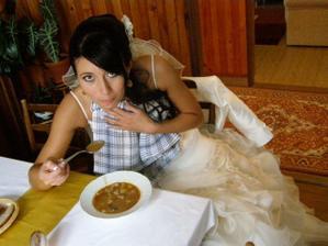 svadobny gulas-papina :))