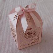Krabička růžová s mašličkou,