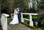 svatební šaty pro větší dekolt , 44