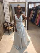 Překrásné svatební šaty, 34