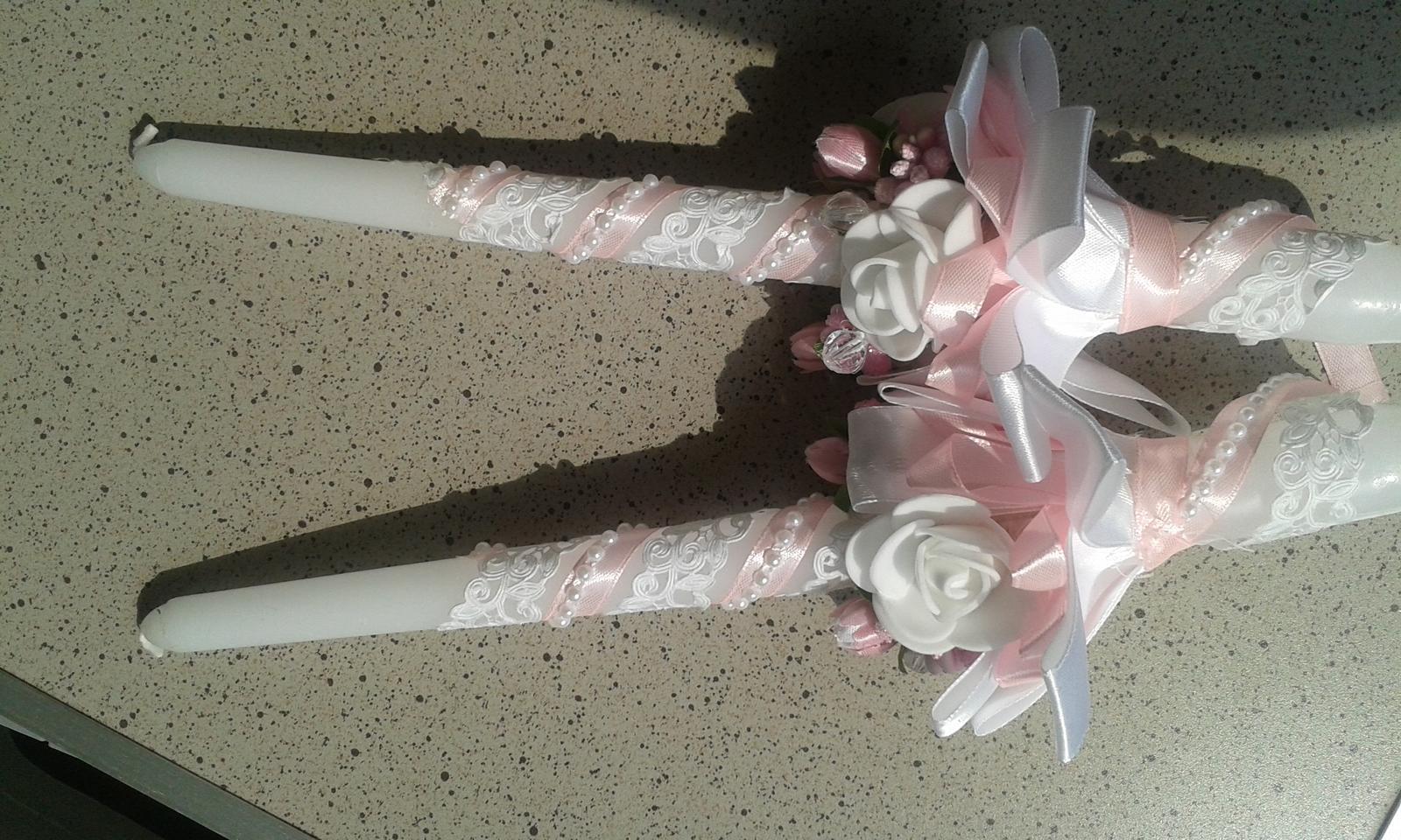 dekoratívne sviečky na svadobný stôl - Obrázok č. 1