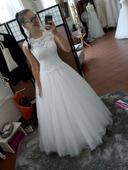Svatební šaty -velice dobře sednou na ruzne styly , 36