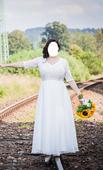 Splývavé krajkové svatební šaty s 3/4 rukávy, 40