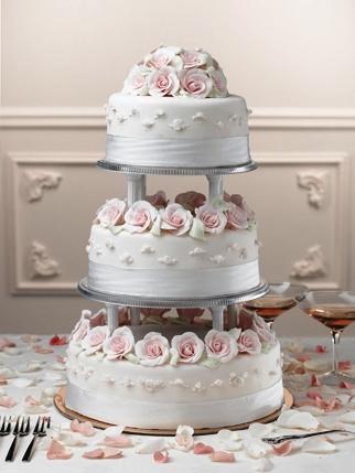 Príjemné svadobné starosti :-) - krásne torty...mňam...škoda, že sa nedá ochutnať cez PC...:-(
