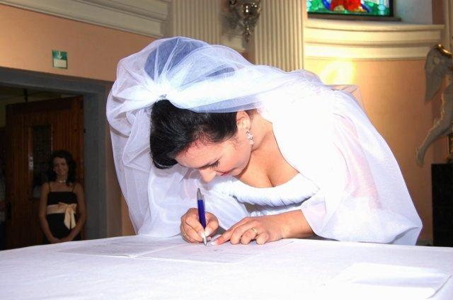 Alenka Vaľková{{_AND_}}Patrik Majerčák - pani Majerčáková sa ešte nevedela poriadne podpísať