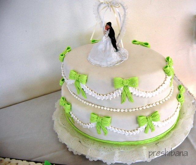 Alenka Vaľková{{_AND_}}Patrik Majerčák - torta od zlatej mamky a ocka-ovalna a vyborna