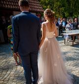 Krajkové šaty s tylovou sukní, 38