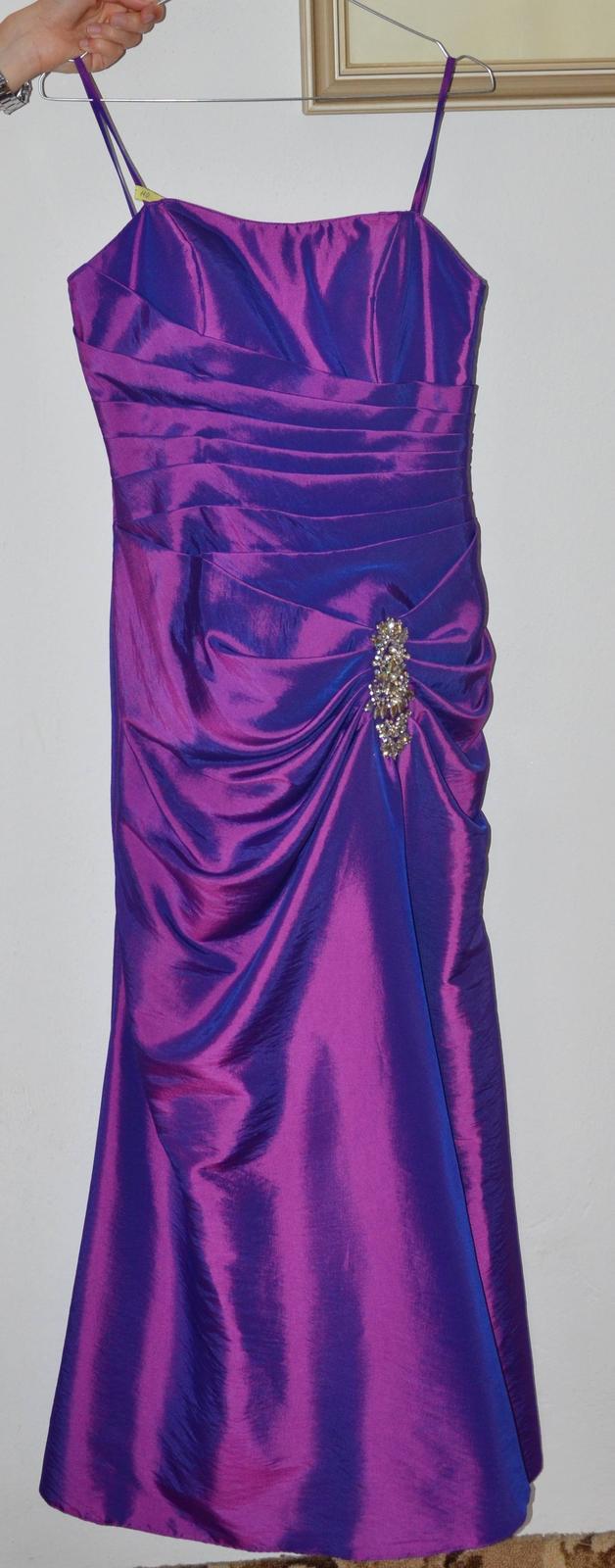Dlhé spoločenské šaty fialovo-modrej farby - Obrázok č. 1