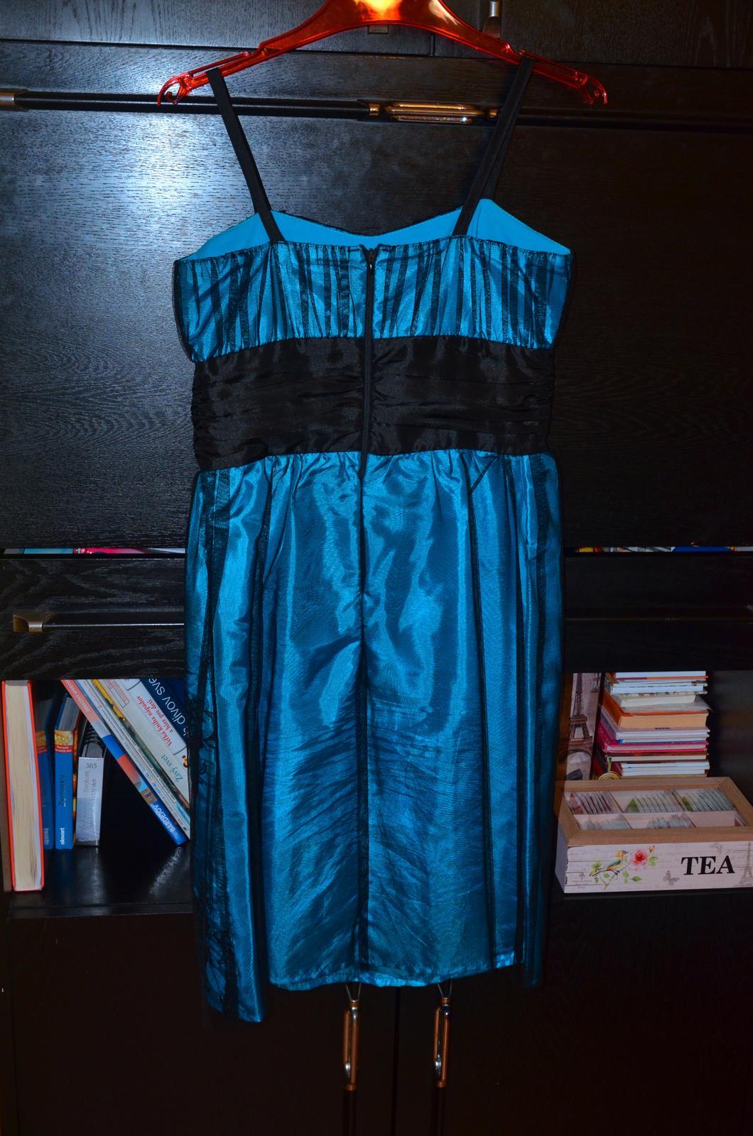 Krátke spoločenské šaty tyrkysovej farby - Obrázok č. 2