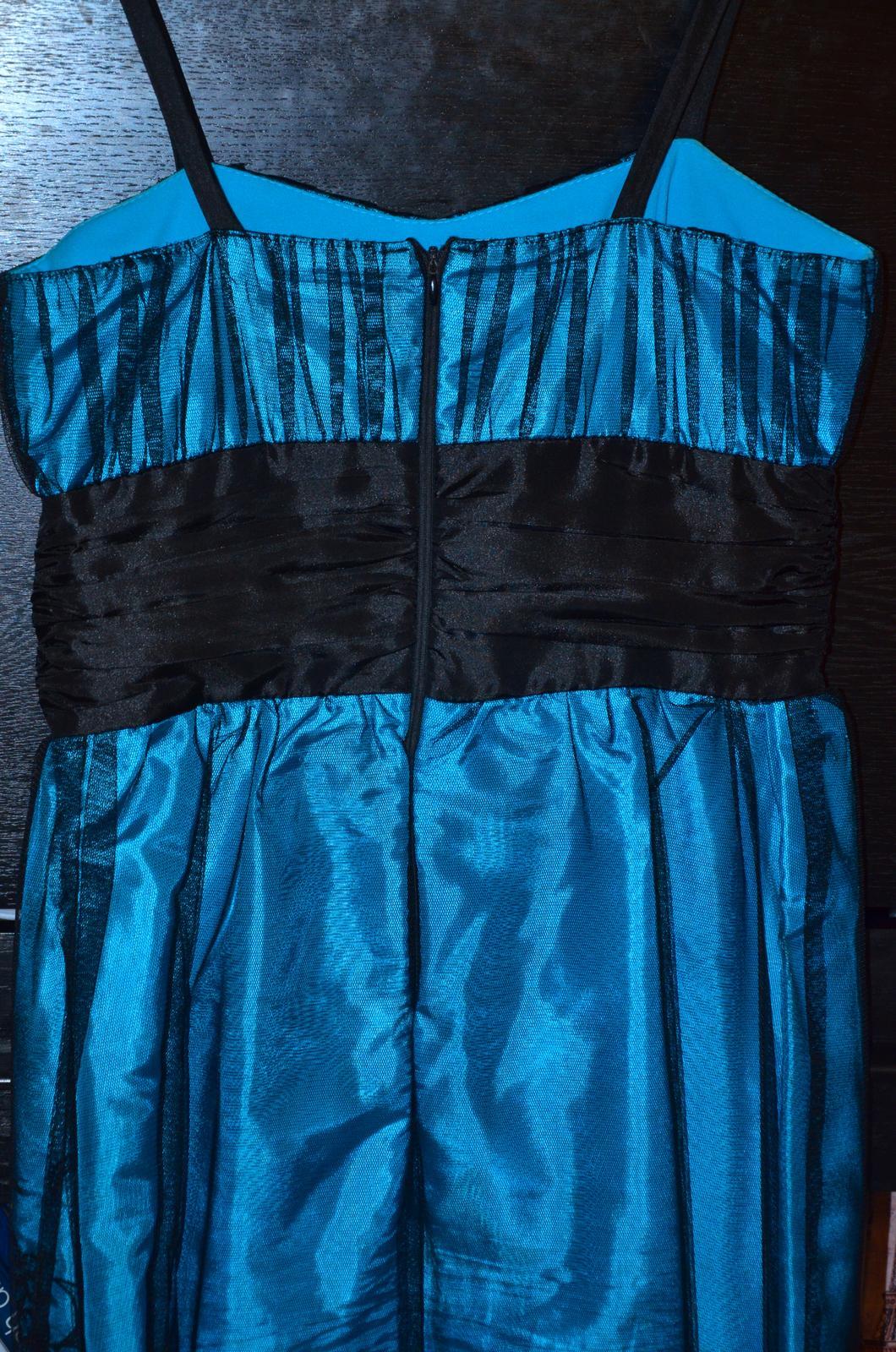 Krátke spoločenské šaty tyrkysovej farby - Obrázok č. 3