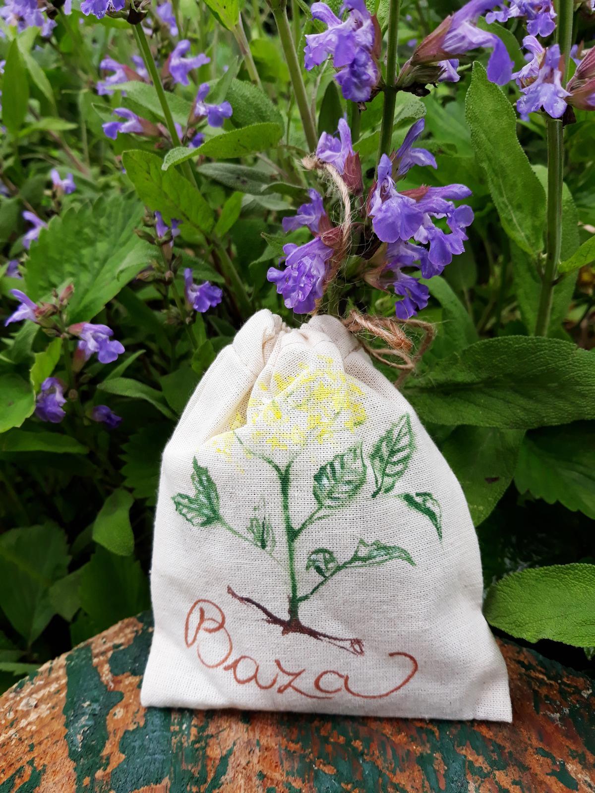 Voňavé bylinky v ručne maľovanom vrecúšku - Obrázok č. 1
