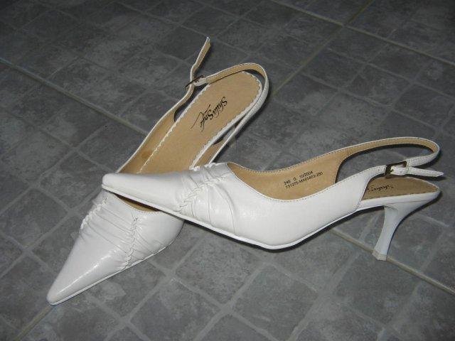 07.10.2006 - svadba - svadovné topánočky foto 2
