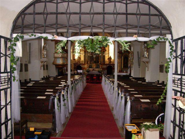 Este raz do kostola