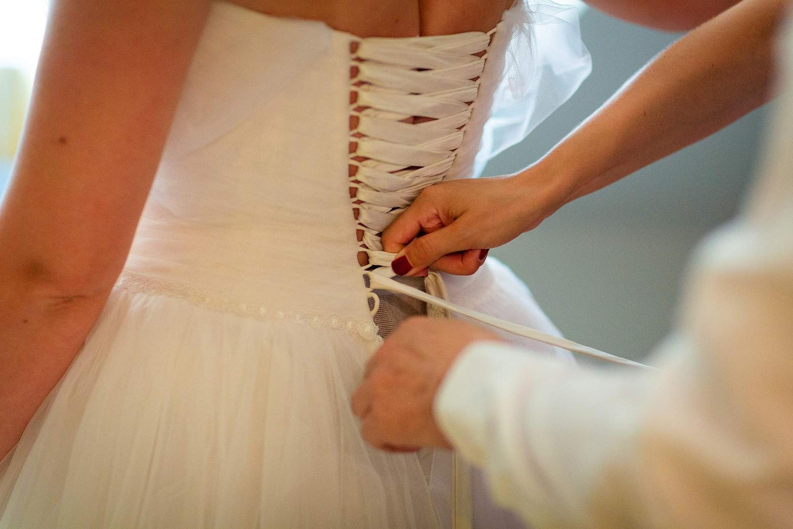 Princeznovské svatební šaty - Obrázek č. 4