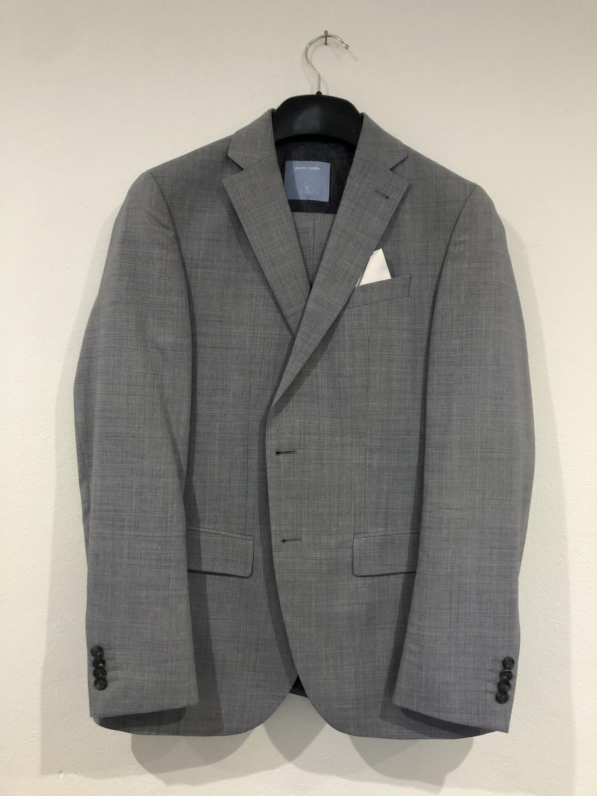 🤵♂️ Oblek - Pierre Cardin - Obrázok č. 2