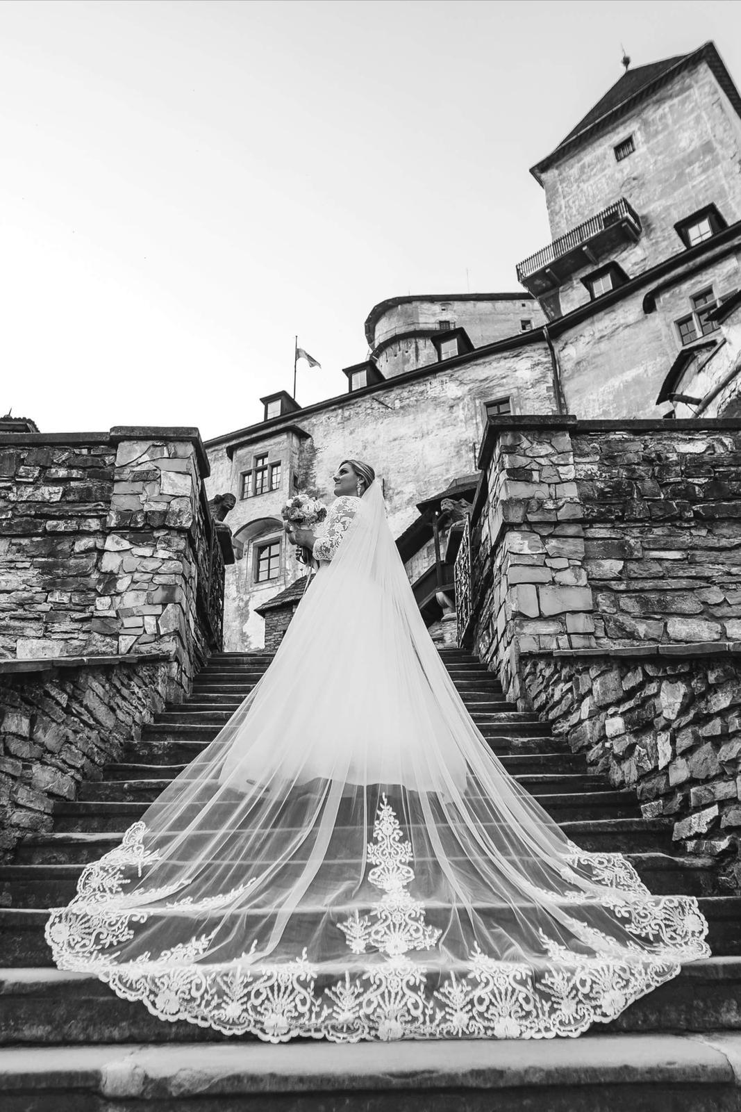 Svadobné šaty pre moletky 46-48 - Obrázok č. 1