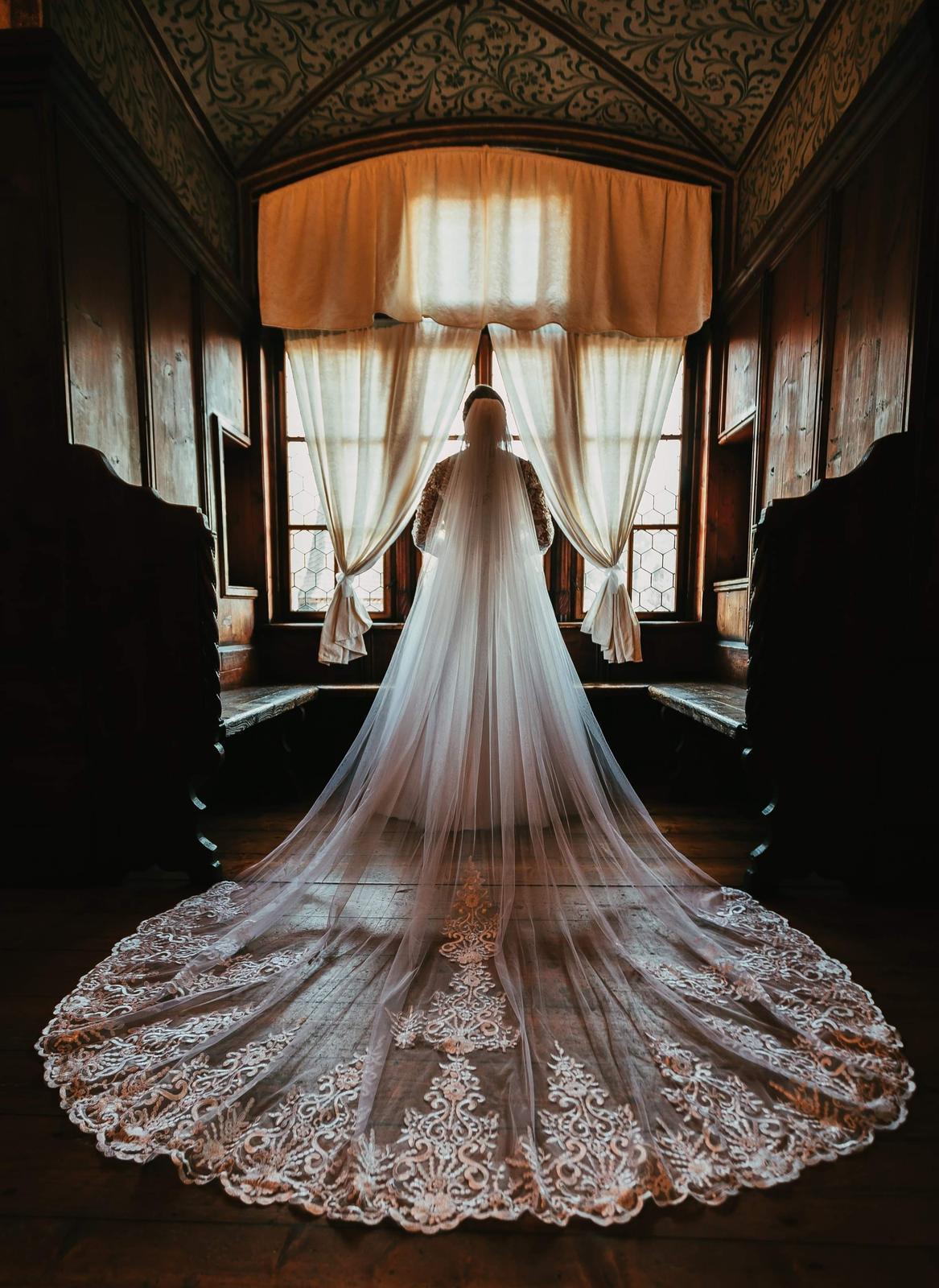 Svadobné šaty pre moletky 46-48 - Obrázok č. 2