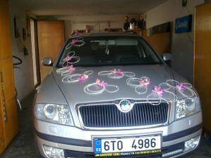 Výzdoba na auto nevěsty (bude černá Audi Q7) :-)))