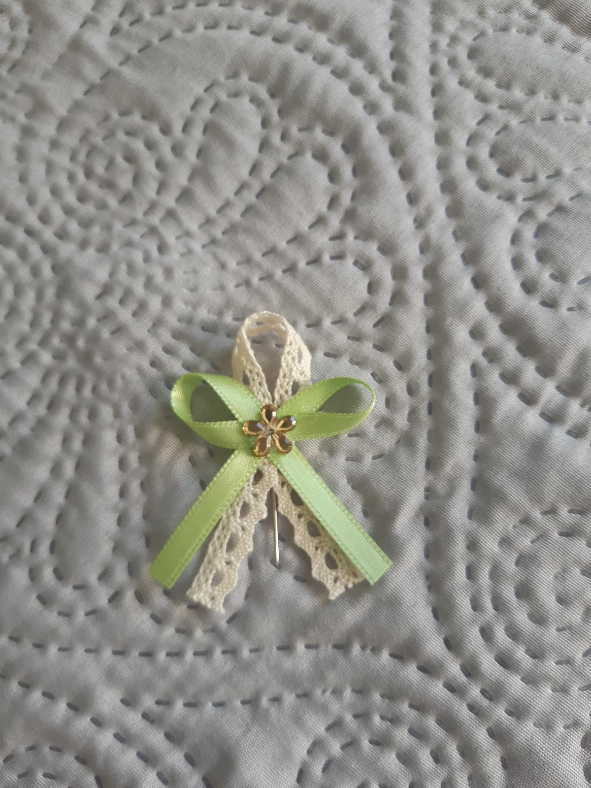 Svadobné pierka zeleno-béžové - Obrázok č. 1