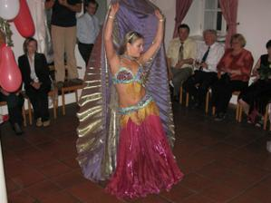 vystoupení tanečnice Eglal