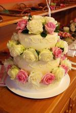 dortík s živými růžičkami, byl výbornej!!!!