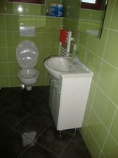 toaleta v pžízemí