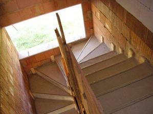 okno je velké 180cm takže schodiště bude krásně prosvětlené
