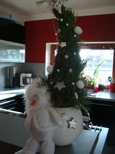 vánoční dekorace i se sněhuláčkem