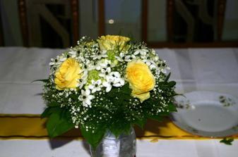 Takúto peknú kytičku mala moja sestra, ja chcem mať len čisté ruže(ružové)