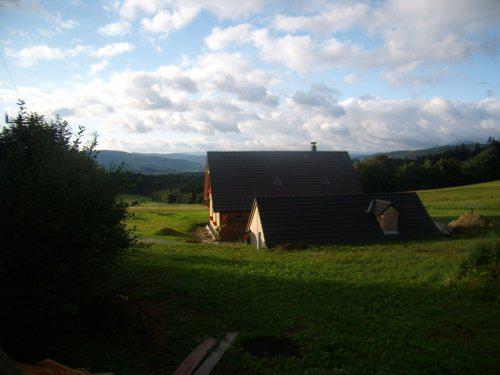 Roubenka z cedru - podzimní ráno po lijáku