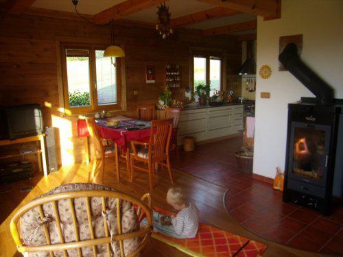 Roubenka z cedru - pokoj s kuchyní