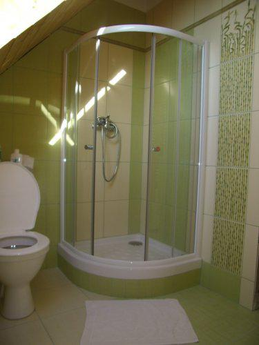 Roubenka z cedru - horní koupelna
