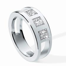 asi půjdem do oceli nebo titanu s diamantíkama, třeba tento je krááásnej