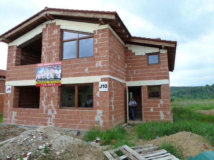 Náš domček - Konecne mame okienka :)