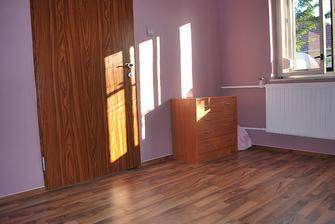 spálňa - dvere sú renovované