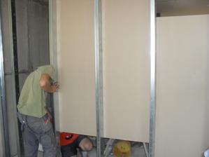 a místnosti začínají dostávat tvar:-)