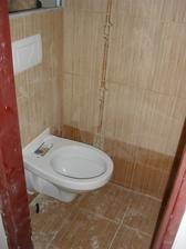 záchod konečně na svém místě:-))))