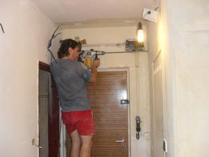 vrtání na elektriku..
