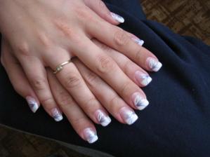 nehty a zásnubní prstýnek:)