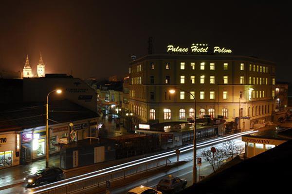 H&E*14.5.2011 - Palace Hotel Polom..tu bude hostina..v pozadí vidieť aj farský kostol;)