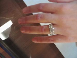 tak toto milujem, taky mam na ruke, len nie diamantovy ;-)